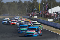 Chaz Mostert leads the race, Prodrive Racing Australia Ford