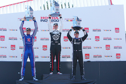 Podium: race winner Graham Rahal, Rahal Letterman Lanigan Racing Honda, second place Justin Wilson, Andretti Autosport Honda, third place Simon Pagenaud, Team Penske Chevrolet