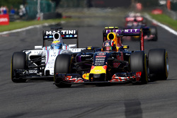 Daniil Kvyat, Red Bull Racing RB11 and Felipe Massa, Williams FW37