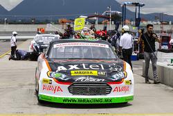 #46 Irwin Vences, M Racing en los Pits