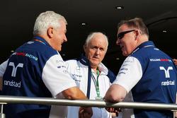 Pat Symonds, Williams-Cheftechniker, mit Edward Charlton und Mike O'Driscoll aus der Vorstandschaft
