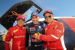 冠军彼得汉塞尔和两位中国车手,标致车队