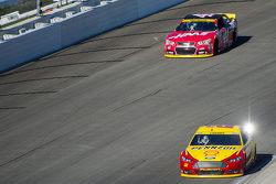 Joey Logano, Team Penske Ford and Kurt Busch, Stewart-Haas Racing Chevrolet