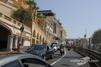 Monte Carlo Circuit track walk