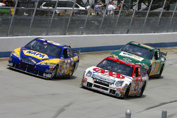 David Ragan moves under Michael Waltrip