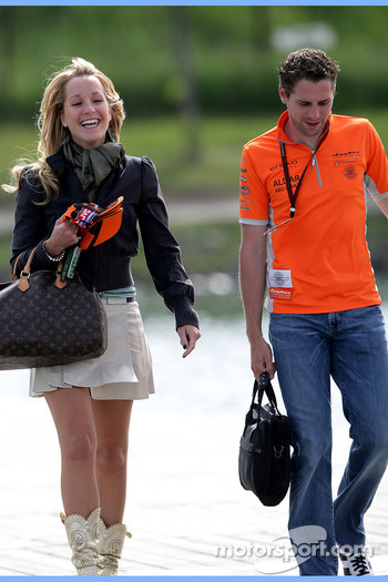 Liselore Kooijman, girlfriend of Christijan Albers and Christijan Albers, Spyker F1 Team