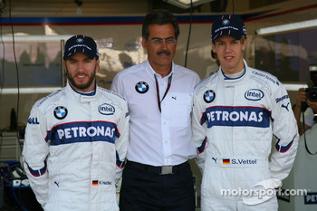 Sebastian Vettel, Test Driver, BMW Sauber F1 Team with Dr. Mario Theissen, BMW Sauber F1 Team, BMW Motorsport Director and Nick Heidfeld, BMW Sauber F1 Team at a BMW phot call