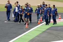 Heikki Kovalainen, Renault F1 Team, Giancarlo Fisichella, Renault F1 Team, Nelson A. Piquet, Test Driver, Renault F1 Team