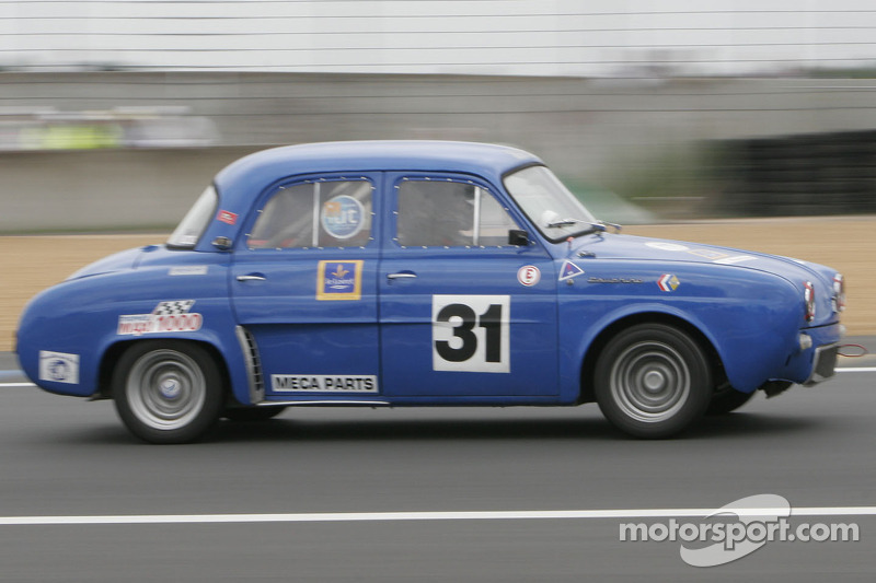 31-Nicolas Rouliere-Renault Dauphine