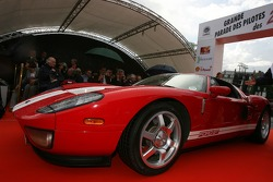 Supercars parade: a Ford GT