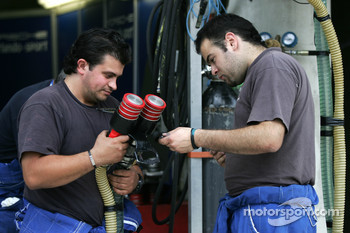 Autorlando Sport team members at work