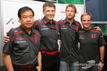 Shuhei Nakamoto, Senior Technical director, Nick Fry, Honda Racing F1 Team, Chief Executive Officer, Jenson Button, Honda Racing F1 Team and Rubens Barrichello, Honda Racing F1 Team