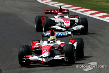Ralf Schumacher, Toyota Racing, TF107 and Anthony Davidson, Super Aguri F1 Team, SA07
