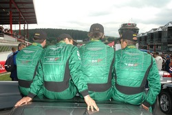 BMS Scuderia Italia drivers relaxe before the start