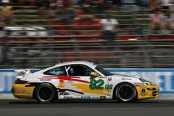 #82 BRG/ Group 88 Motorsports Porsche 997: Jean-François Dumoulin, Louis-Philippe Dumoulin, Michael Vong