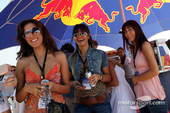 Girls at the Red Bull Aqua Battle
