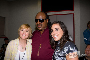 Stevie Wonder with Melissa Etheridge and California Speedway president Gill Campbell