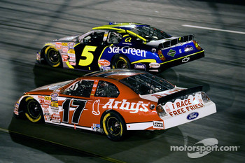 Kyle Busch and Matt Kenseth battle for the lead