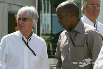 Bernie Ecclestone and Anthony Hamilton, Father of Lewis Hamilton