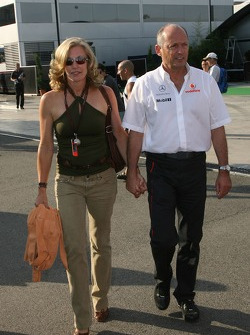 Ron Dennis, McLaren, Team Principal, Chairman, Lisa Dennis, Wife of Ron Dennis