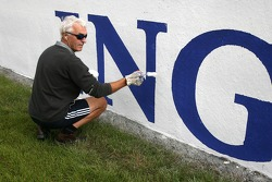 Painting the track advertising