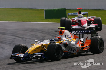 Heikki Kovalainen, Renault F1 Team, Ralf Schumacher, Toyota Racing