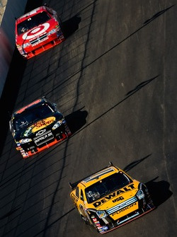 Matt Kenseth leads Martin Truex Jr. and Reed Sorenson