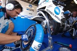 Konica Minolta Honda team members at work