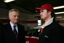 Max Mosley, FIA President and James Thompson, N Technology, Alfa Romeo 156