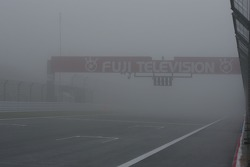 Saturday practice stopped due to heavy fog