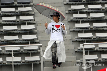 Japanese fan for David Coulthard, Red Bull Racing