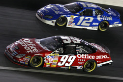 Carl Edwards races Ryan Newman