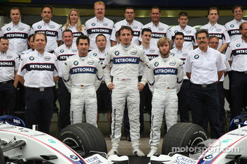 BMW Sauber F1 Team group picture: Willy Rampf, BMW-Sauber, Technical Director, Timo Glock, Test Driver, BMW Sauber F1 Team, Robert Kubica,  BMW Sauber F1 Team, Nick Heidfeld, BMW Sauber F1 Team and Dr. Mario Theissen, BMW Sauber F1 Team, BMW Motorsport Di