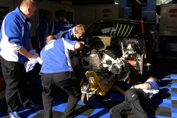 Engine change for #10 Gigawave Motorsport Aston Martin DBR9
