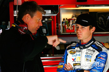 Team engineer Ian Watt works with Kasey Kahne