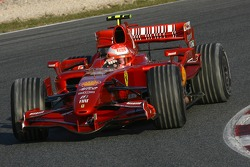Michael Schumacher, Test Driver, Scuderia Ferrari, F2007 with dirty tyres after he went into the gravel