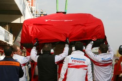 The car of Franck Montagny, Test Driver, Toyota F1 Team is returned to the pits