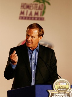 Press conference at the Doral in Miami: Rusty Wallace