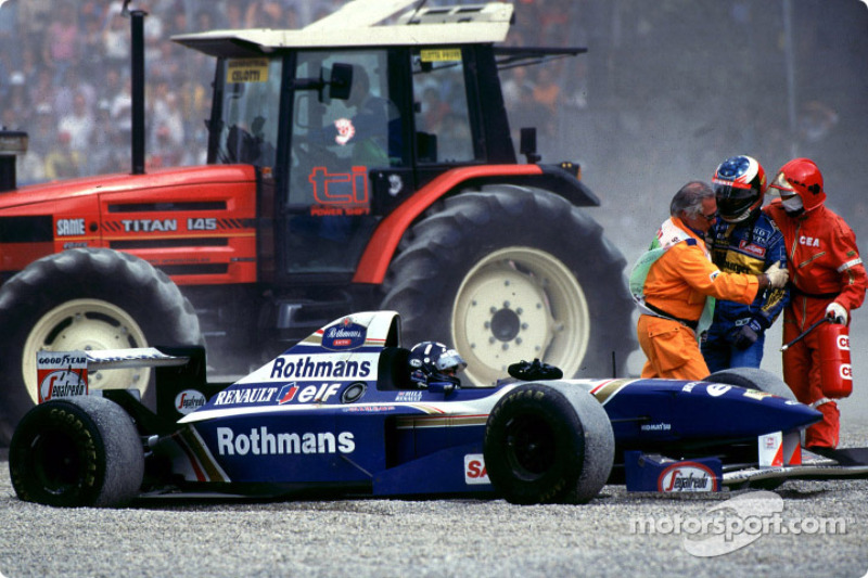 Marshalls Stop Michael Schumacher Getting To Damon Hill