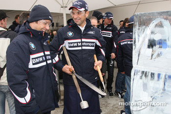 Ice carving, Andy Priaulx, BMW Team UK, BMW 320si WTCC  and Jorg Muller, BMW Team Germany, BMW 320si WTCC