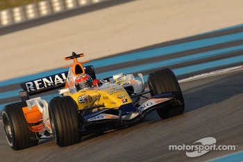 Daniel Sordo tests the Renault F1