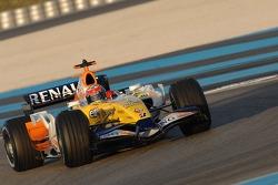 Daniel Sordo tests the Renault F1