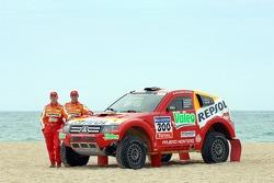 Repsol Mitsubishi Ralliart Team: StÈphane Peterhansel and Jean-Paul Cottret