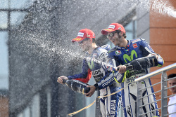 Ganador Jorge Lorenzo y Valentino Rossi tercer lugar, Yamaha Factory Racing