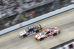 Tony Stewart, Stewart-Haas Chevrolet and Ryan Newman, Richard Childress Racing Chevrolet