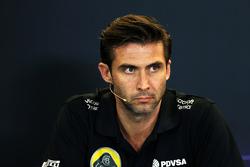 马修·卡特,路特斯车队CEO,在FIA新闻发布会上