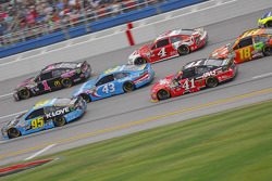 Michael McDowell, Leavine Family Racing Ford and Jamie McMurray, Chip Ganassi Racing Chevrolet and Aric Almirola, Richard Petty Motorsports Ford and Kevin Harvick, Stewart-Haas Racing Chevrolet and Kurt Busch, Stewart-Haas Racing Chevrolet and Kyle Busch, Joe Gibbs Racing Toyota