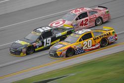 Matt Kenseth, Joe Gibbs Racing Toyota and Carl Edwards, Joe Gibbs Racing Toyota and Kyle Larson, Chip Ganassi Racing Chevrolet