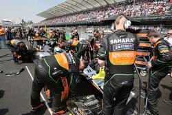 Sergio Pérez, Sahara Force India F1 VJM08 en la parrilla