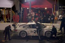 Pitstop for #26 Gotham Competition Porsche GT3 Cup: Jerome Jacalone, Joe Jacalone, Bob Michaelian, Jim Michaelian, Max Schmidt
